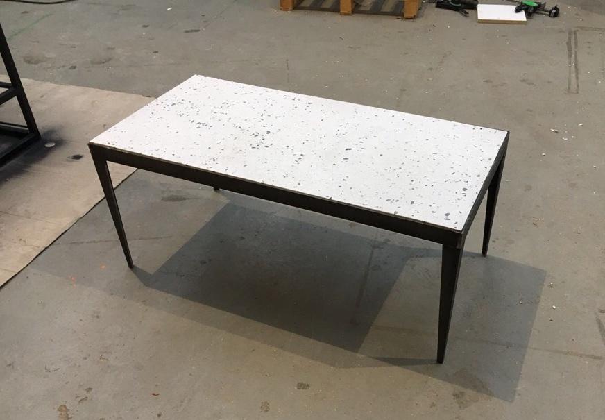 Stalen Design Tafel.Design Tafels Staal En Graniet De Amsterdamse Meubelmaker